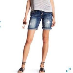 {NWT} Miss Me Signature Mid-Short Denim Shorts